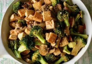 Sweet and sour tofu and broccoli 1