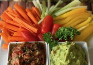 salsa and guacamole 8