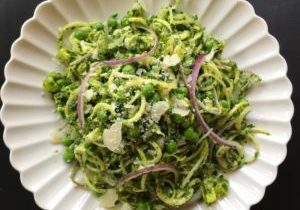 zucchini zoodle and kale pesto 8